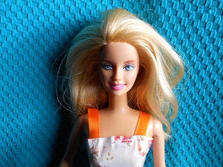 Barbie GG blond panenka